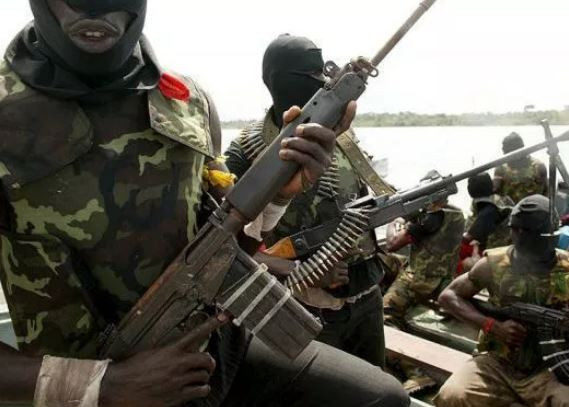 Two Feared Dead As Robbers Attack Bank In Lagos(Video) - Information Nigeria