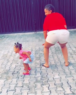 Gifty powers and her daughter