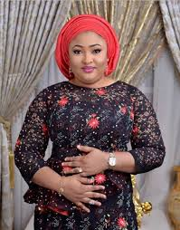 Kogi's First Lady Donates N1M To Bright Chukwu Dike For Painting Her