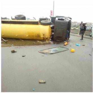 The Truck on Odo Iyalaro Bridge, Lagos