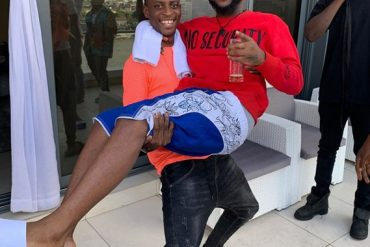 Instagram Comedian Sydneytalker Carries Davido Like A Baby (Photos)
