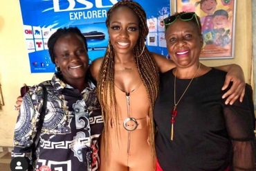 Evicted BBNaija Housemate, Khafi Poses With Omashola's Mum, Sister In Warri