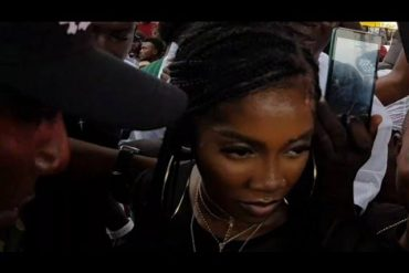 Tiwa Savage Nearly Mobbed By Thugs In Lagos (Video)