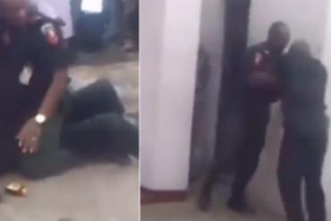 Two Nigerian Policemen Fight In Public (Video)