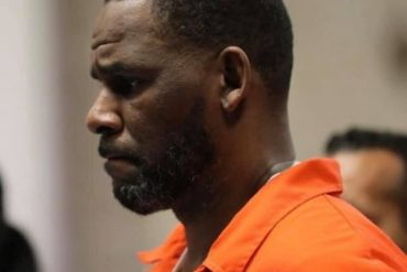 See Photos, Videos Of R.Kelly In Prison Outfit, Handcuffs As He Appears In Court