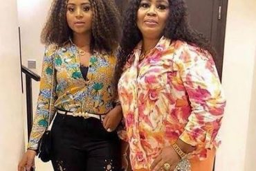 13th Headies: Watch Hilarious Introduction Of Regina Daniels' Mom That Got People Talking