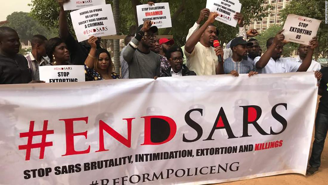 Nigerians protesting against SARS