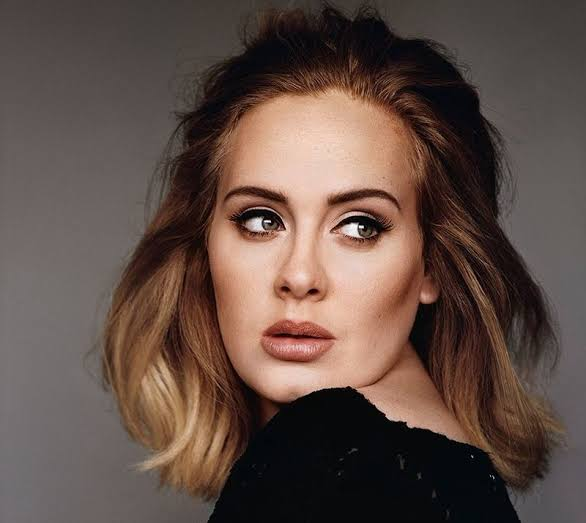 3544F282 F7F1 49A9 8F8D B3EDC3B995F8 - British Singer, Adele Flaunts New Body Shape In Christmas Themed Photos