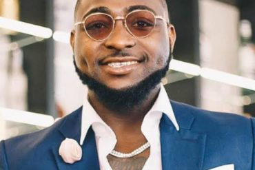 Davido Celebrates Oba Ewuare Of Benin On His Birthday, Shares Same Date With Son