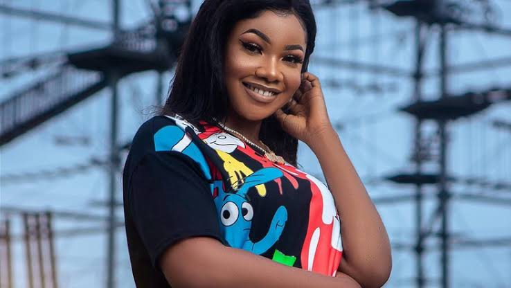 E8E00F60 39A7 46C1 BFBB 253975E959E1 - BBNaija: Tacha Unveils New Iphone 11 Pro Worth N600,000 (Video)