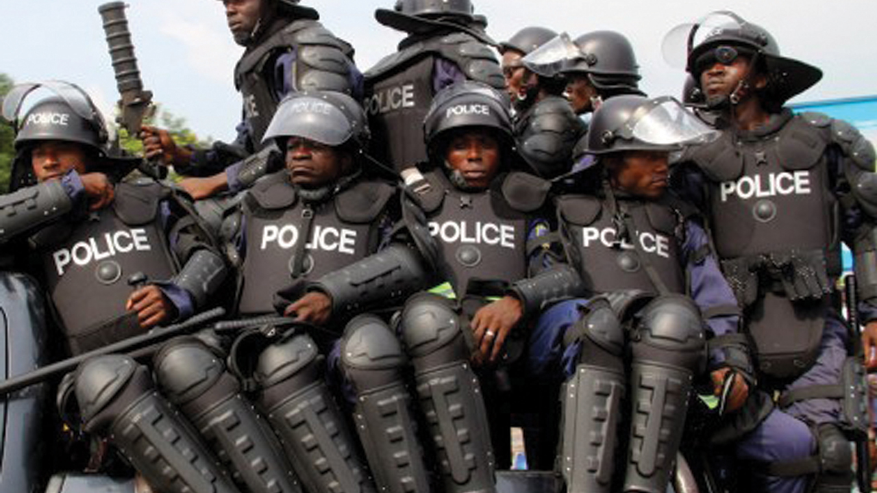 Police Officers Take Off As Thugs Take Over Kogi Polling Unit