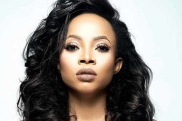 Toke Makinwa Reacts To Allegations Against Her, Promises 500k Afterwards (Photo)