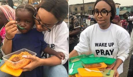 Tonto dikeh feeds the less privileged