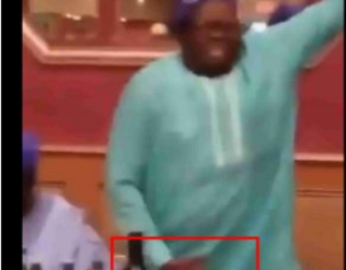 Nigerian Father Spotted Dancing 'Soapy' With Full Energy (VIDEO)