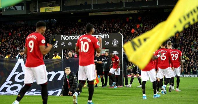 Manchester United celebrate their winning