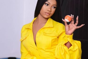 Tacha Flaunts Body In Massive Cleavage-Baring Dress At 13th Headies (Video)