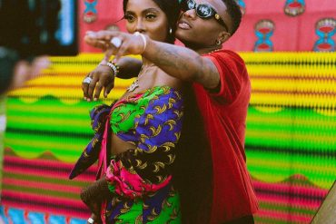 Tiwa Savage Begs Wizkid To Grab Her Bum On Stage (Video)