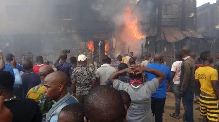Video: Fire Guts Balogun Market In Lagos