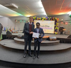 EJEuMslX0AAGV7c 300x288 - 12-Year-Old Nigerian Boy, Chika Ofili, Bags Award In UK For New Discovery In Mathematics