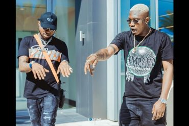 Video: Davido Gifts Zlatan Ibile $40K Worth Of Jewelry, Declares Him Hottest Artiste In Africa
