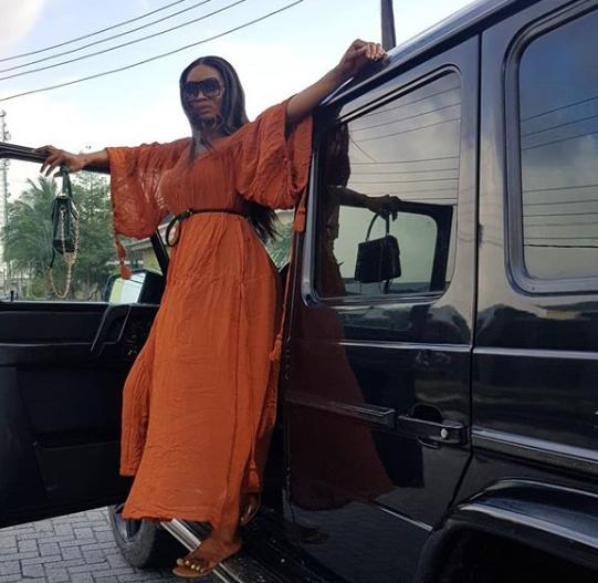 Wofaifada and her new whip