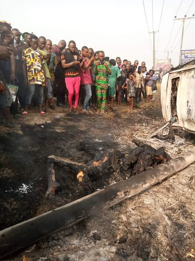 Two suspected thieves burnt in Bayelsa State