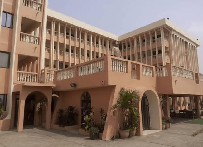 Apata Memorial School