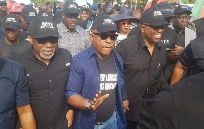 Uche Secondus and other pdp protesters in Abuja