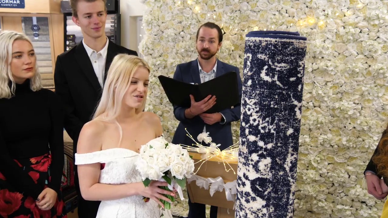 Single mum marries rug