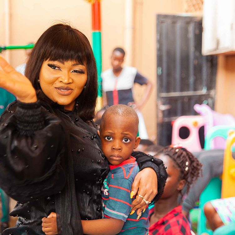 Mercy Aigbe and the little boy