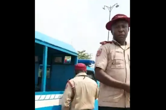 FRSC official defates tyre of lady rushing pregnant woman to hospital