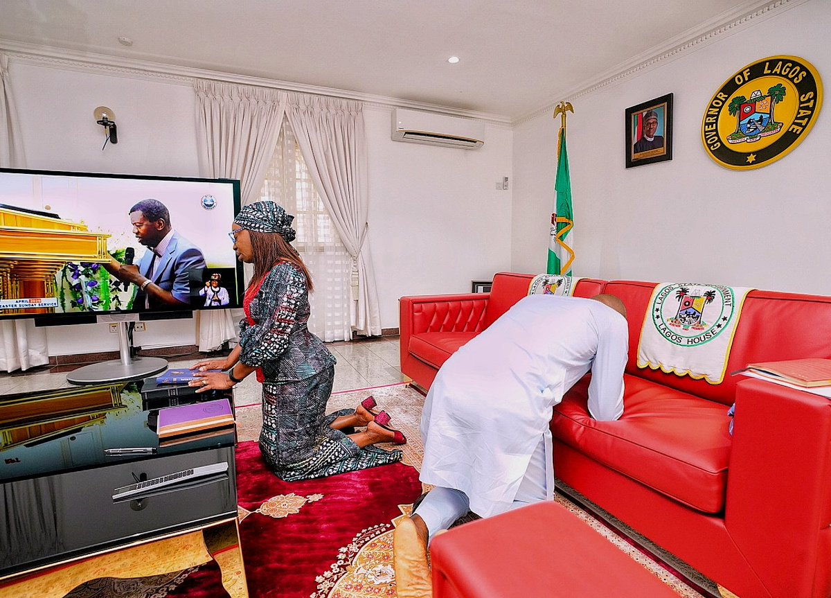 Photo of Babajide Sanwo-olu and wife worshipping at home