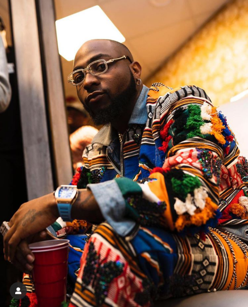 """6 packs overrated I'd rather have the bag"" – Davido chooses pot-belly and money over abs"