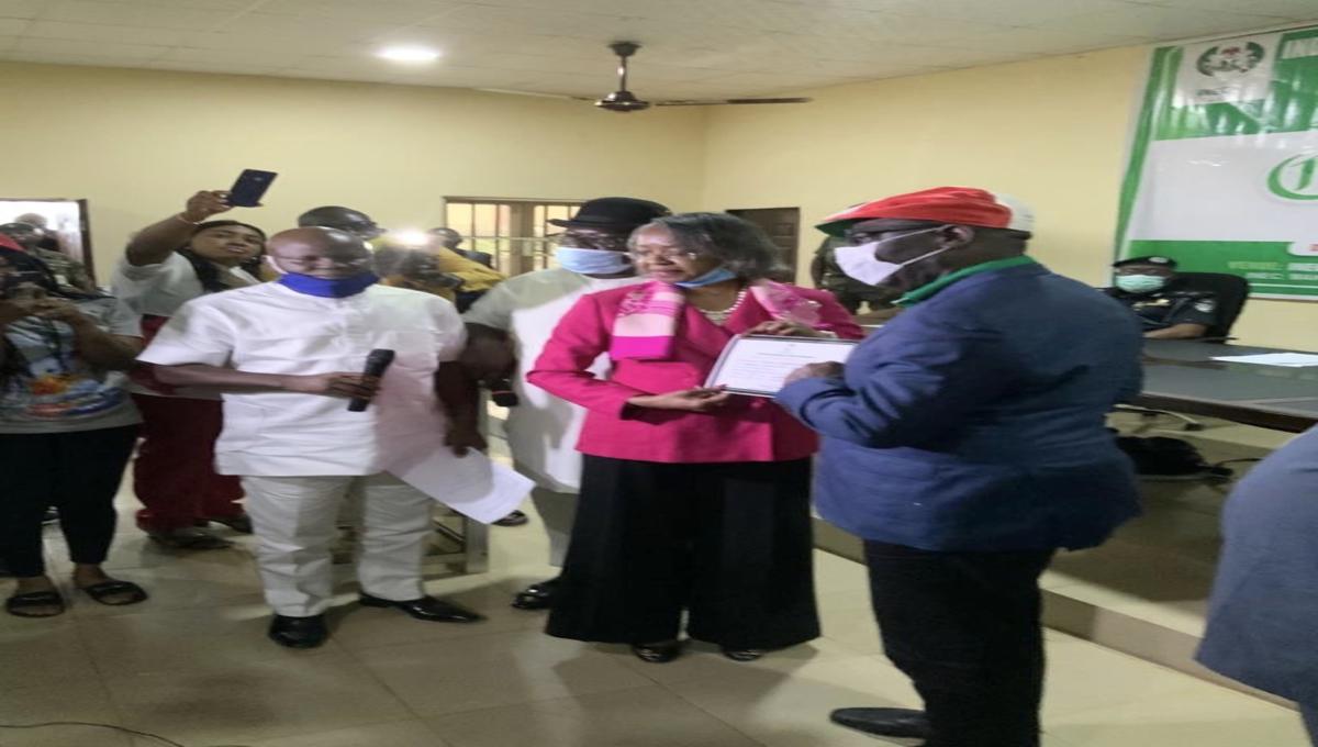 Obaseki receiving certificate of return