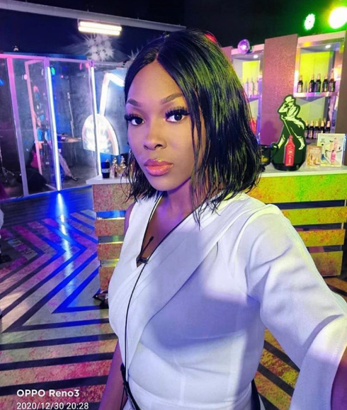 Vee expresses her gratitude to fans for sticking by her side after they pulled 1% vote for her during the finals (video)