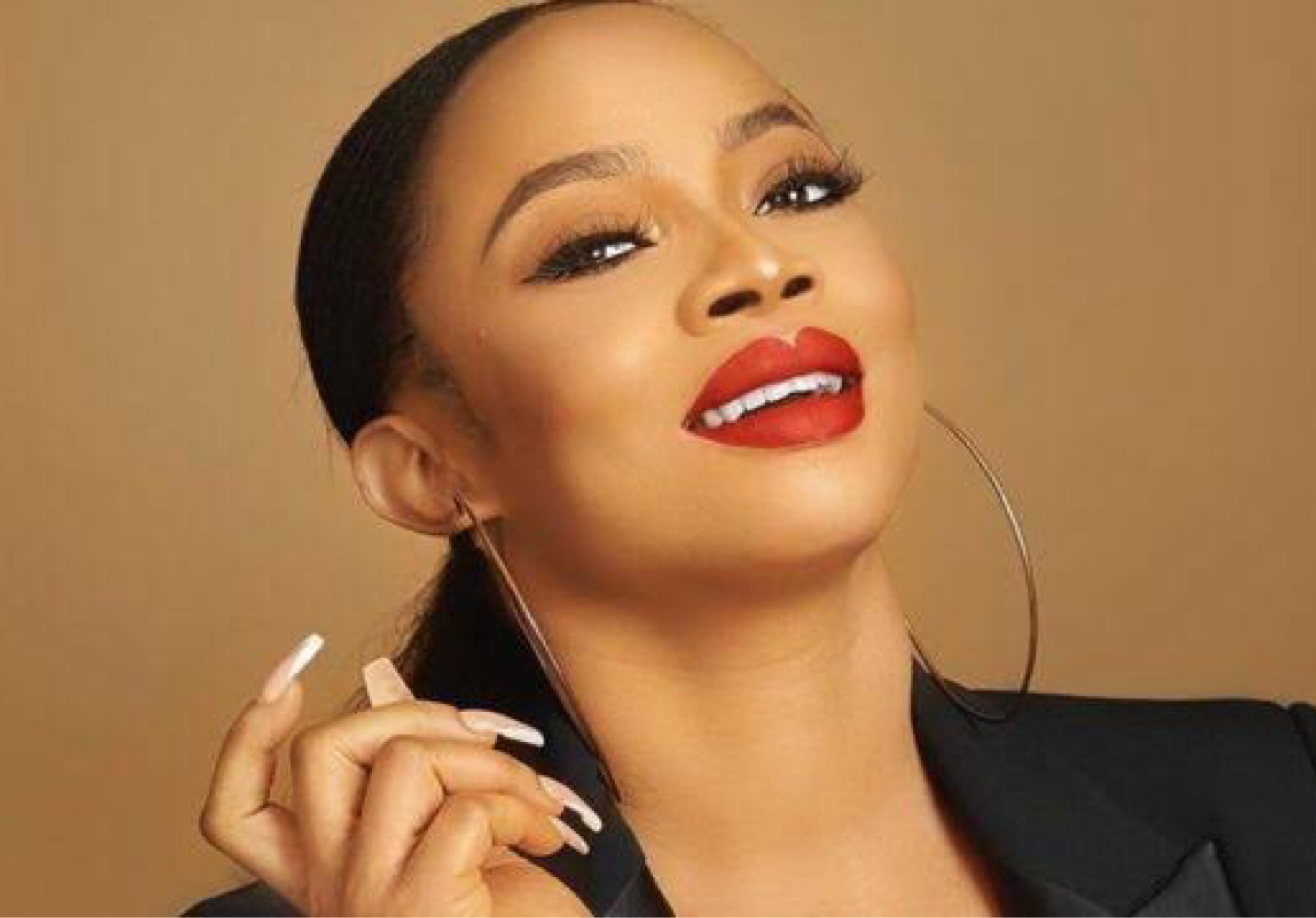 """Why Family WhatsApp Groups Are The Worst"" - Toke Makinwa"