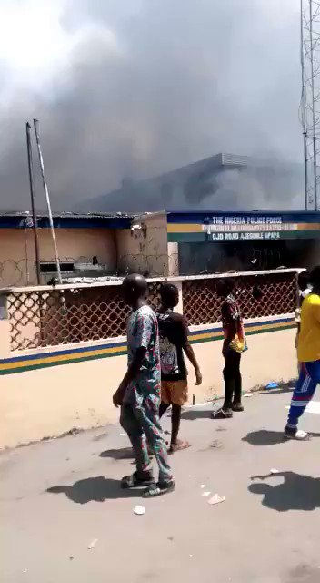 Another police station burnt by thugs in Lagos
