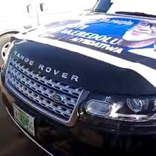 #EndSARS protesters seize a politician's Range Rover SUV in Ondo (video)