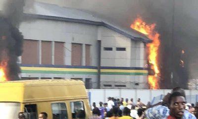 Suspected hoodlums set Orile Iganmu police station on fire (Video)
