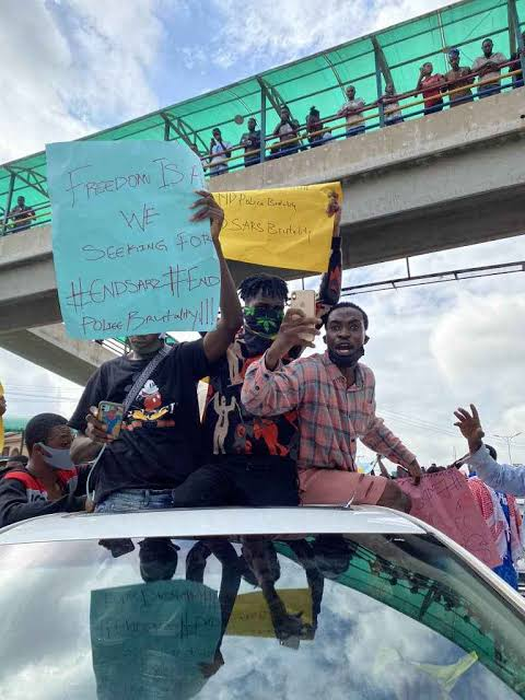 Oba of Epe allegedly turned back by #EndSARS protesters