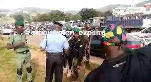 Policemen allegedly assault #EndSARS protesters in Abuja (videos)