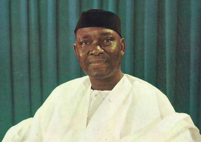 Protesters Burn Nnamdi Azikiwe's statue in Anambra; say he caused their problems