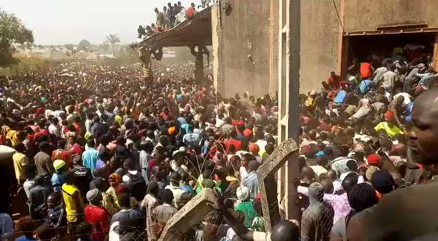 Residents invade warehouse in Plateau; cart away COVID-19 palliatives