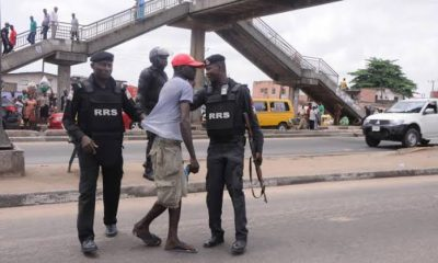 Hoodlums attack Rapid Response Squad officers in Lagos