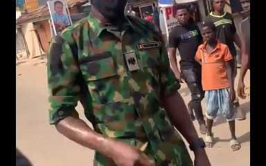 Soldier advises Abuja youths against looting food items (Video)