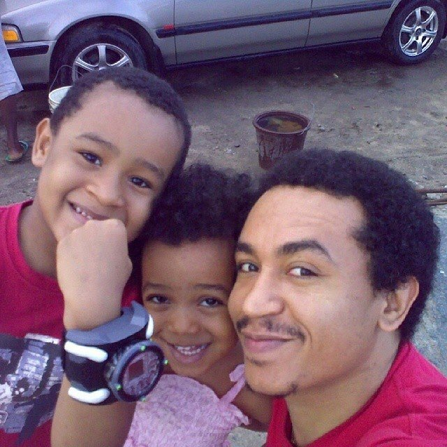 Throwback photo of the popular broadcaster and his children from his first marriage