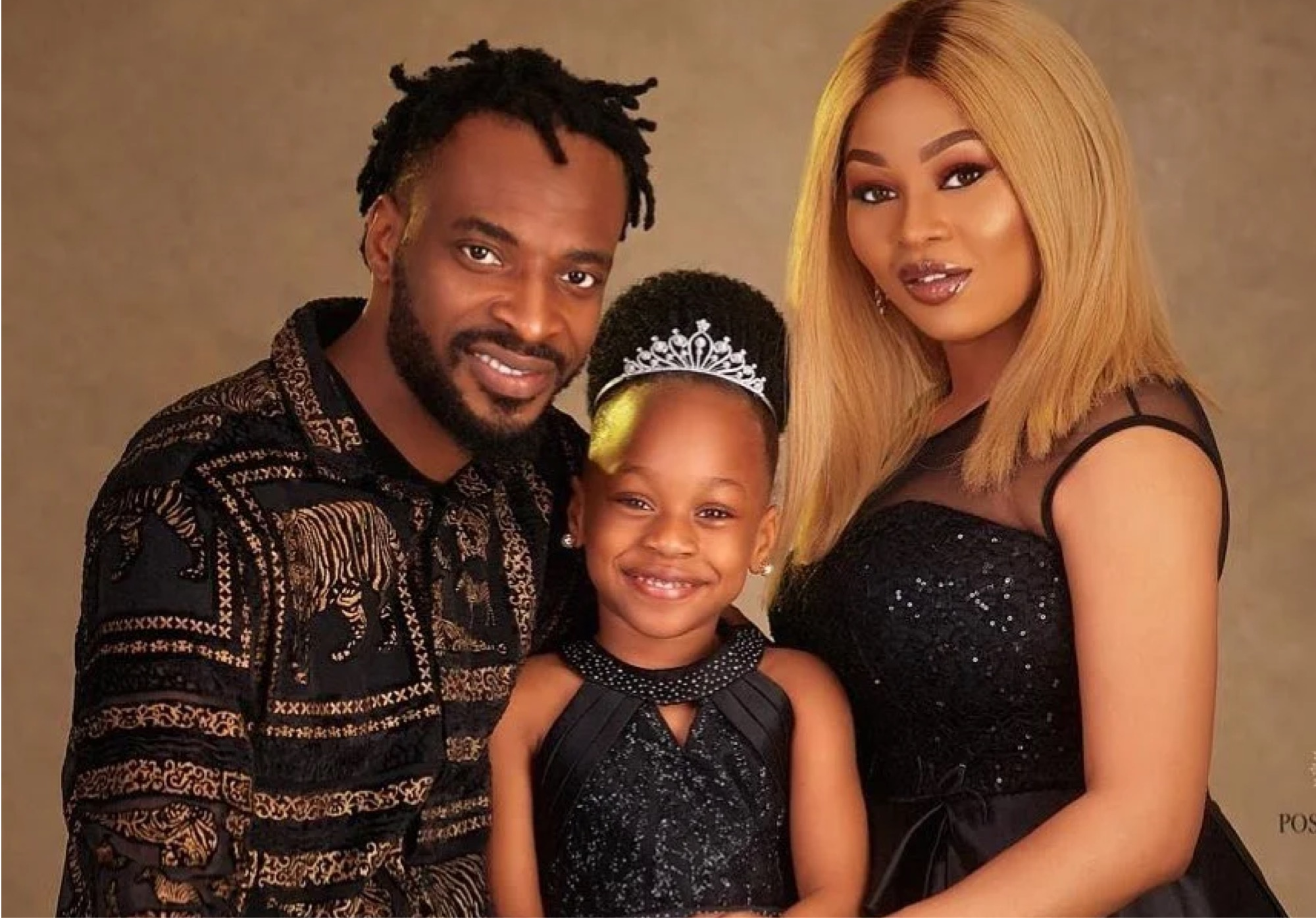Singer 9ice Spotted Caressing Another Lady Despite Being Married (Video)