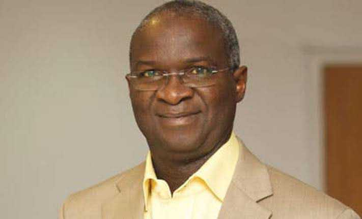 FG Owes 3,504 Contractors, Fashola Tells National Assembly
