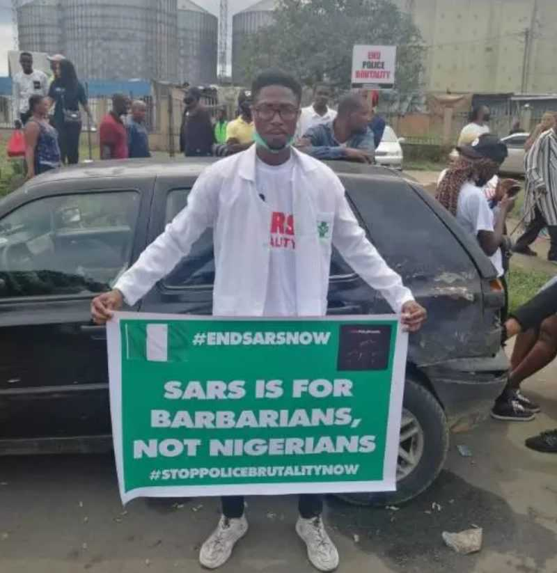 #EndSARS: Pharmacist begs CBN governor to unfreeze his account