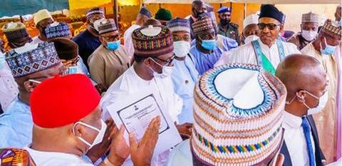 COVID-19: Presidency Defends Buhari's Removal Of Mask In Public